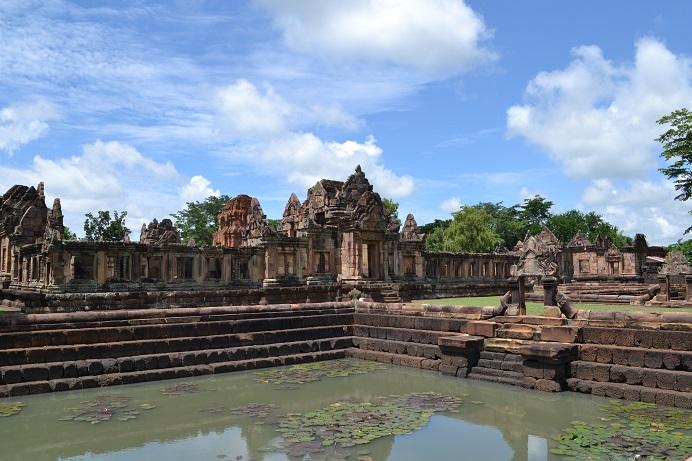 NANG RONG : sur la route des citadelles khmères …